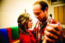 LUKRATIV DANS: Brita Atlesdatter og Daniel Kafkas er blant dem som kan høste inn to ekstra studiepoeng etter å ha tatt tangokurset.